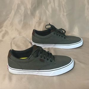 Vans size 8 lace up sneakers in green